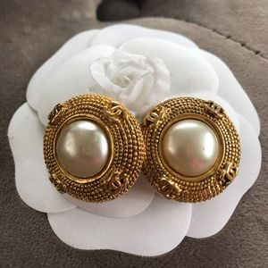 Chanel gold tone vintage clip on pearl earrings